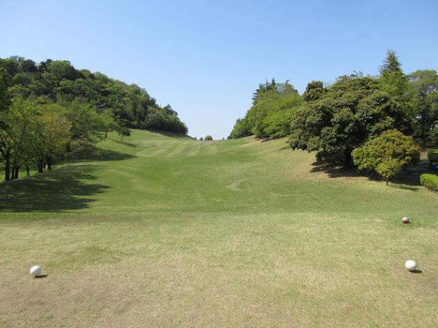 <愛川6番ホール >長い打ち上げのロングホールはしっかり距離を稼ごう!