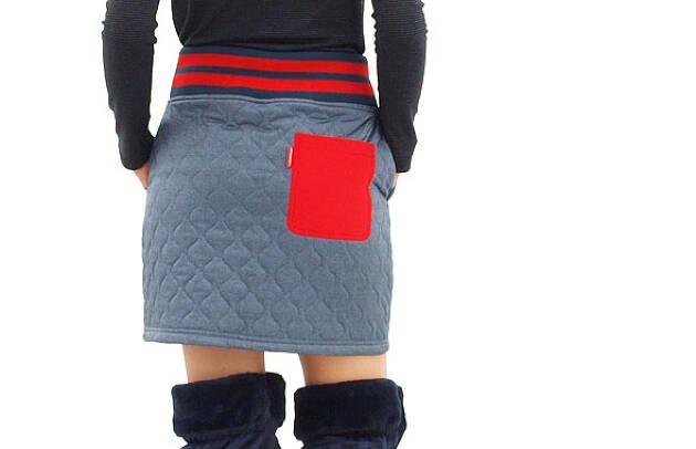 寒くてもスカートという方には