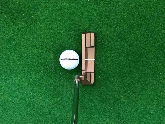 パターラインの合わせ方2:ボール、パターのラインを合わせる