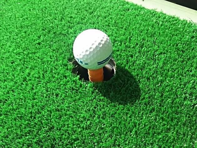 1.アドレスでのボールの位置をやや左寄りにする