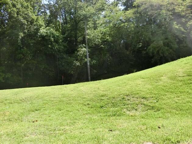 例えば砲台グリーン脇の、打ち上げのアプローチ