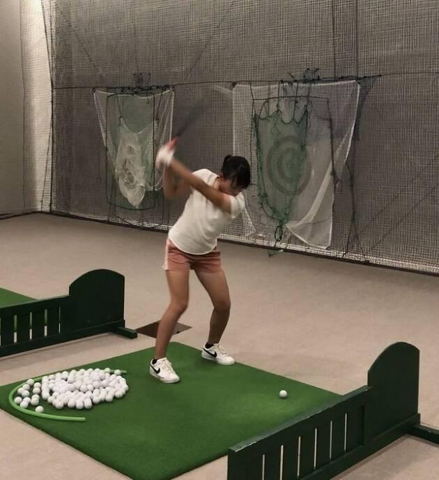 利き目で変わるゴルフスイング
