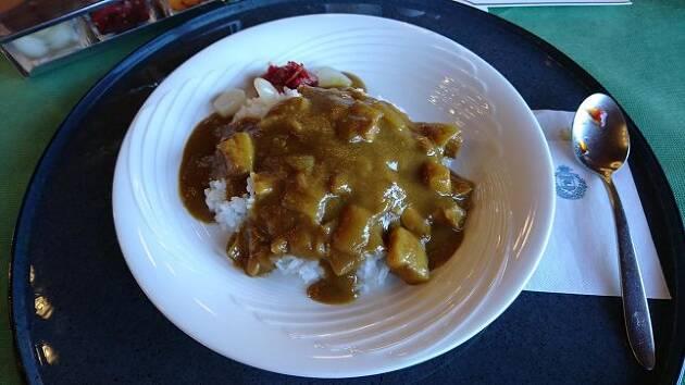 千葉県「藤ヶ谷カントリークラブ」のポークカレーは庶民的な味!