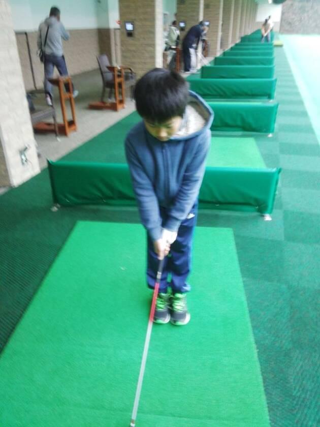 ゴルフで最初に教えるべきこと