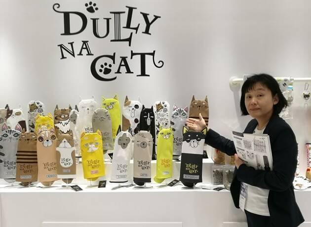 DULLY NA CATの個性的なネコたちと一緒にゴルフ!