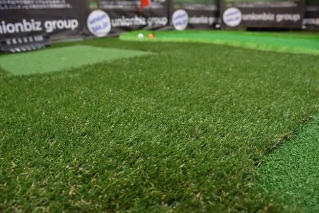 庭でゴルフの練習がしたい! 選べる芝の長さ、そして形はフルオーダー