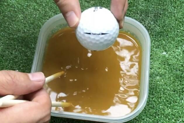熱湯で溶かしてボールを入れるだけ!