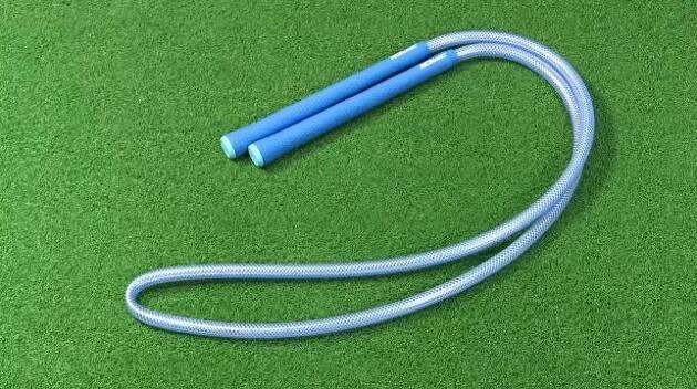 ベテランゴルフコーチが考案した練習器具!