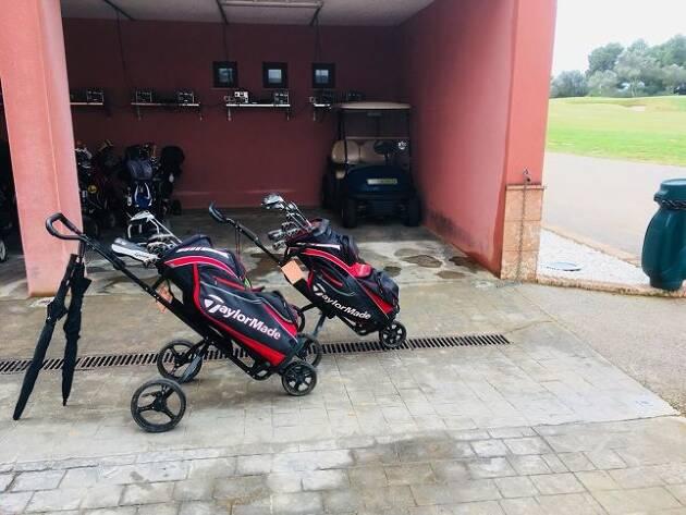 憧れの海外ゴルフ! レンタルクラブは、テーラーメイドのM2!