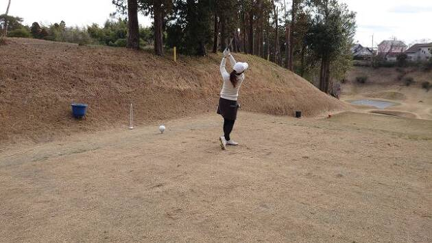 ラウンドでは、これから体育会でゴルフをやっていたことが社会人として役立つと太鼓判!