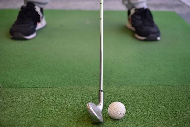 スタンスの幅を変えるとボールを置く位置はどうなる?