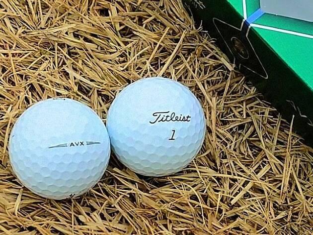 ウレタンカバーのツアーボールのもうひとつの選択肢がAVX!