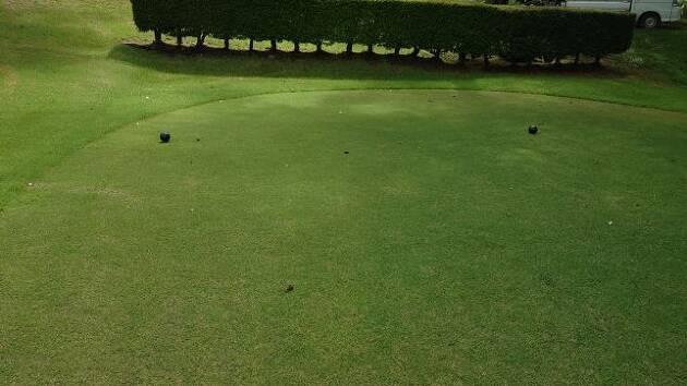 通常のバックティーではなく、ほとんどフルバックに近いティーグラウンドからのゴルフとは?