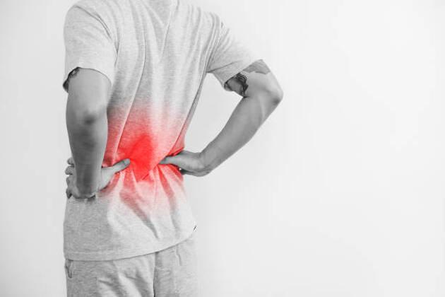 ゴルファーが腰痛になりやすい原因は股関節の弱さ!