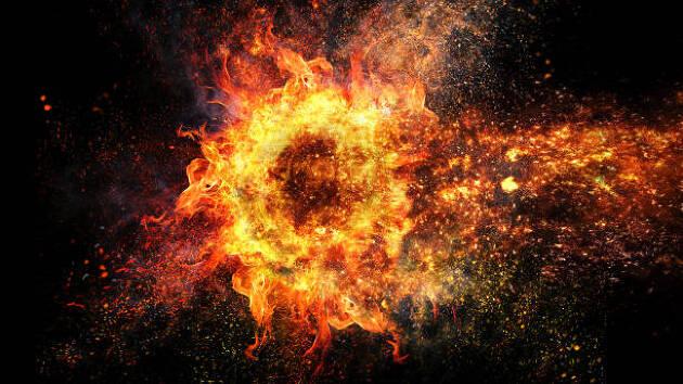手首のタメがアイアンで爆発的な飛距離を生む!