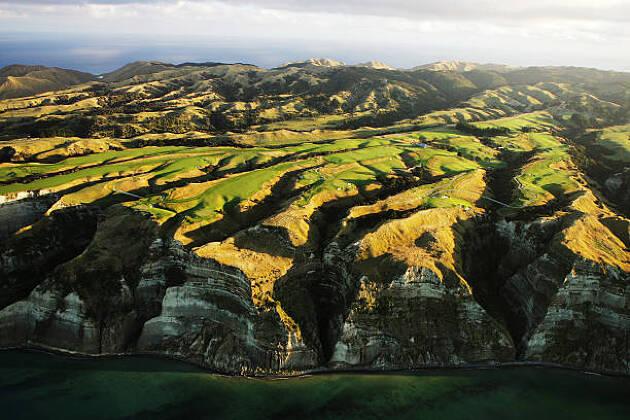 """ニュージーランドの""""人さらい岬""""ゴルフ場」とは?"""