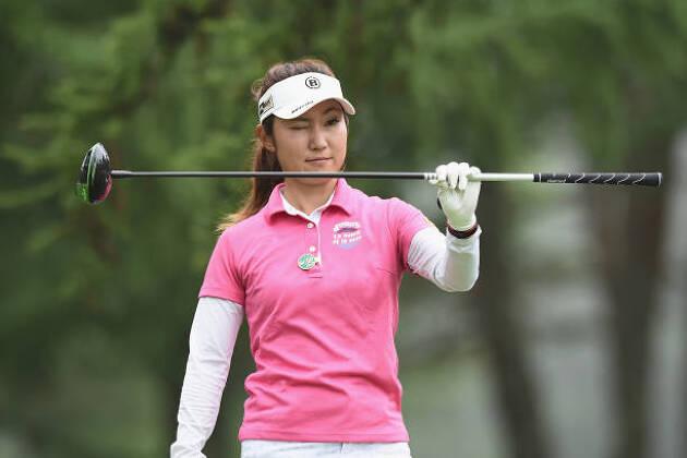 ゴルフスイングの右手で方向性を出すにはどんなイメージ?
