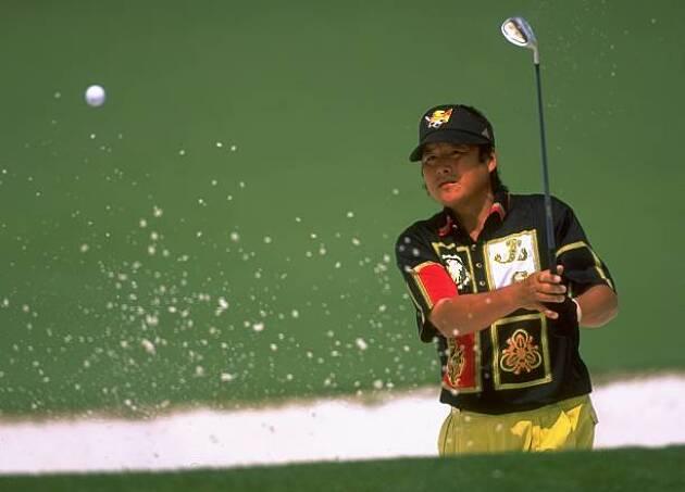 最近のゴルフウェアは華やかでカッコいい! 昔はダサかった!?