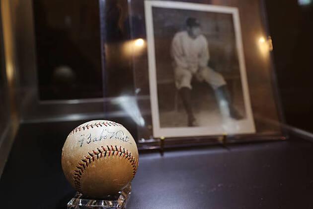 レフティのままプレーした野球の神様