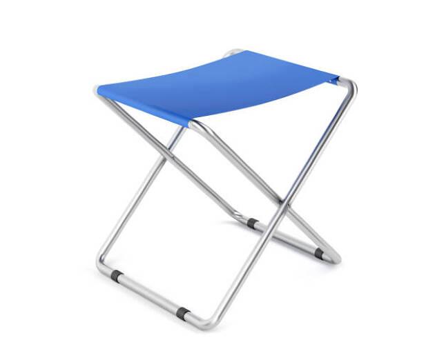 折りたためる小さめの椅子