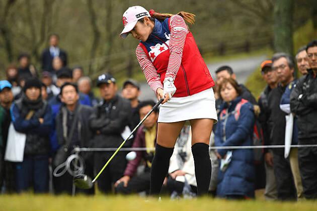 強い韓国選手が「ベタ足スイング」を実践