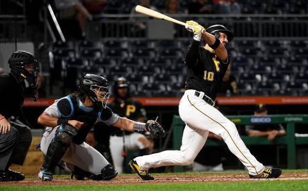 右投げ左打ちの野球経験者 それぞれのメリットとデメリットを整理