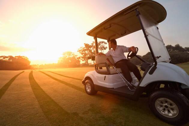 ゴルフコースでのハーフラウンドや早朝ラウンド
