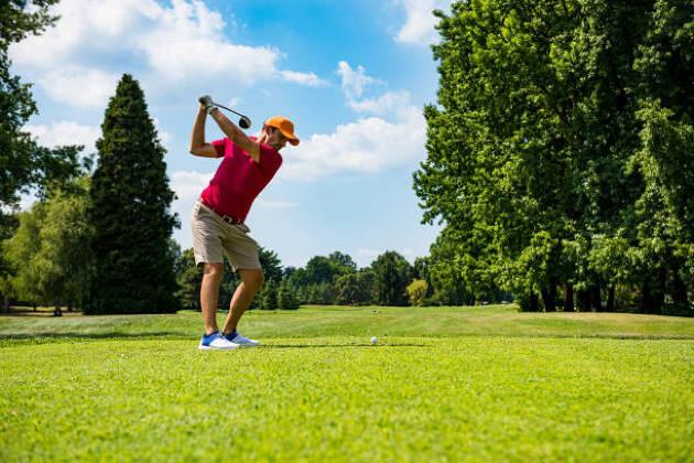 ゴルフで動きのきっかけを作る意味