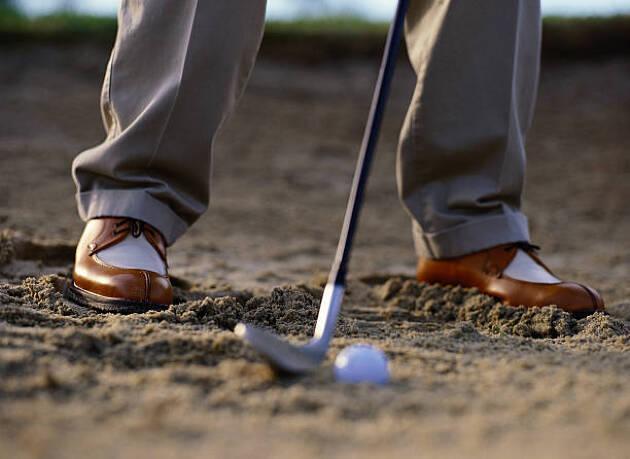 1.足を砂に沈めて下半身固定