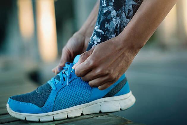 靴紐の締め方も大切!指先が緩いとすねの筋肉を使わなければいけない