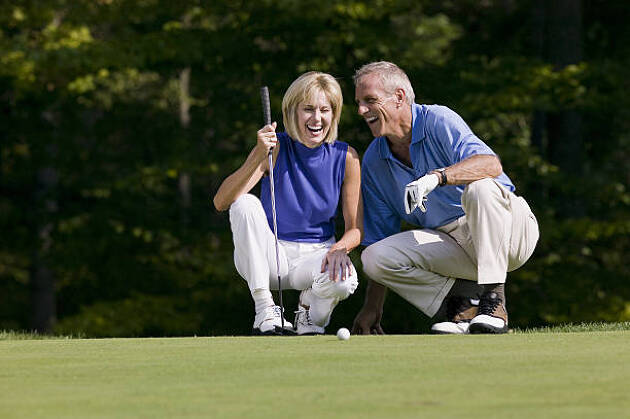 ポイント1 ゴルフウェアを合わせてデートゴルフを楽しむ!