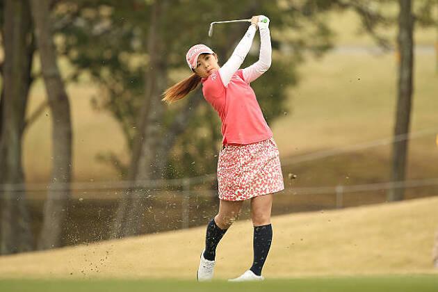 ゴルフ女子のマストな持ち物:厚手の靴下