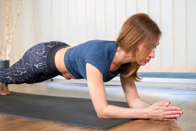 3.体幹筋力トレーニングをする