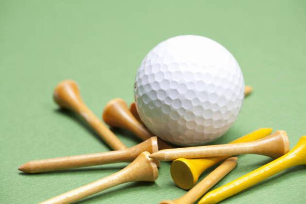 ゴルフは小物でキャディーバッグがごちゃごちゃに!?