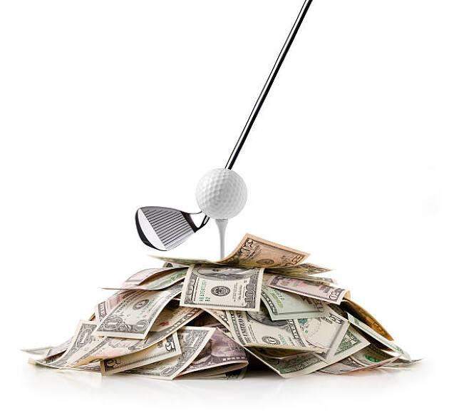 税金が高い為、ゴルフ場も下げるに下げられない