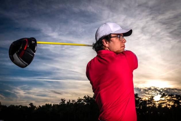 2メートル×2メートルのゴルフ練習ネットはドライバーも打てる!