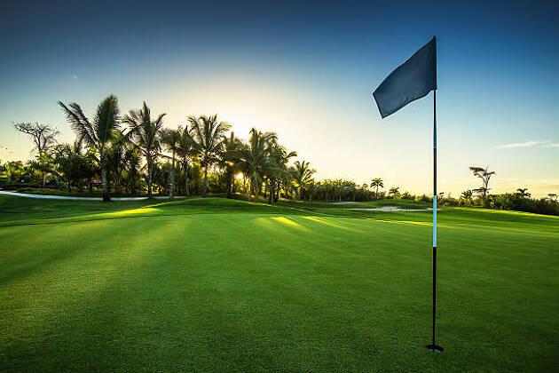 ラフを制する者が夏ゴルフを制する!