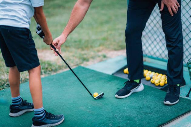ゴルフをこれから始めたい! まずはゴルフのレッスンを受けよう