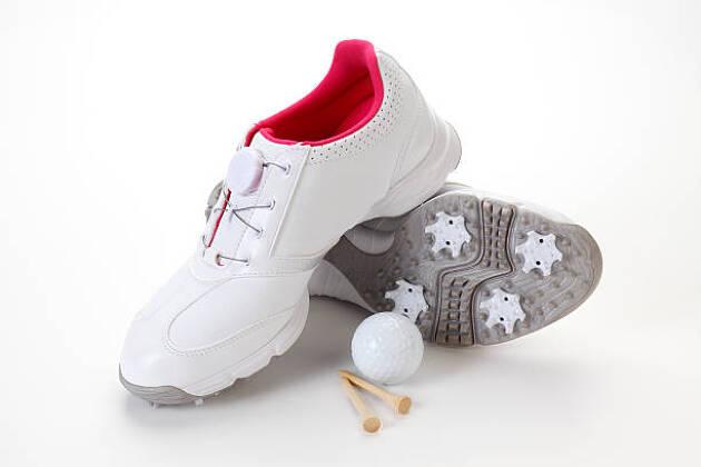 ゴルフシューズ選びのポイント3.紐式かダイヤル式か