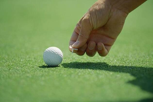 4−1.ゴルフマーカーを後方以外の位置に置く