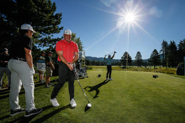 ゴルフ場についたらどんな流れでプレーするの?