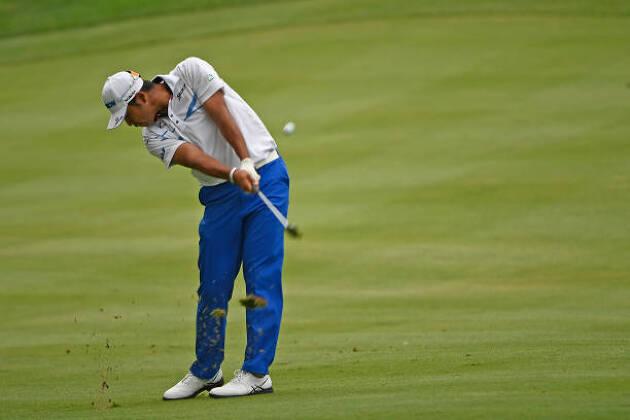 スピン量が少ないゴルファーの特徴は?
