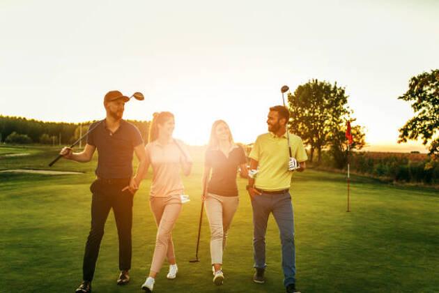 コースで着るゴルフウェアの選び方