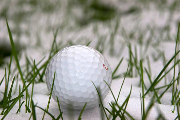 ⑨冬のゴルフウェア事情 襟はどうしてる?