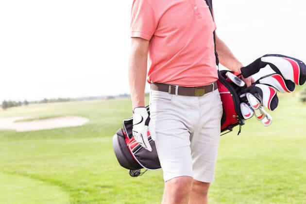 アウトレットモールで買える人気のゴルフウェアブランドは?