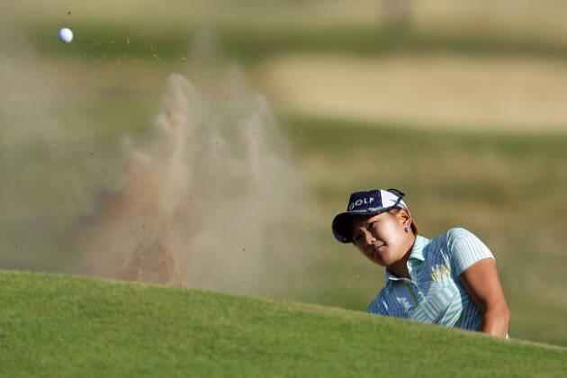 ホームラン(トップ)しやすいゴルファーは重心を下げて構えろ!