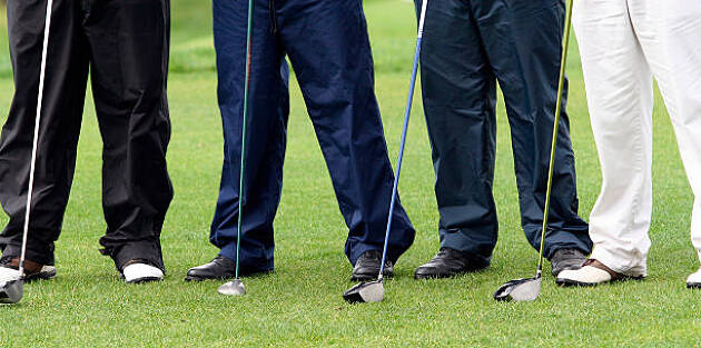 ゴルフに使えるユニクロのメンズパンツをご紹介!