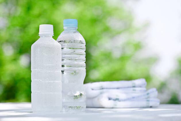 小まめな水分補給のためには、最低2ℓのスポーツドリンクを用意する