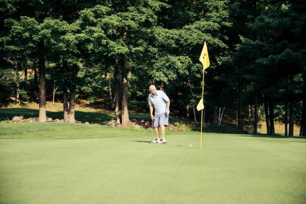 旗竿を抜かない新ルールはアマチュアゴルファーに浸透