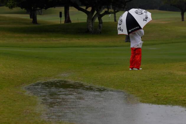 雨でもゴルフを楽しみたい!